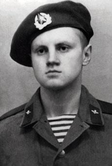 Новобранец ВДВ Сергей Миронов
